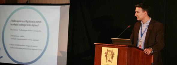 Iván Gómez durante la ponencia